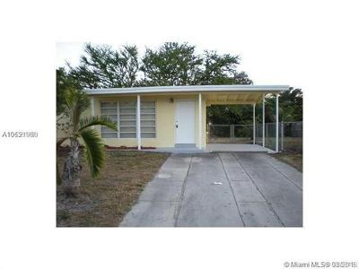 Pompano Beach Single Family Home For Sale: 1400 NE 40th St