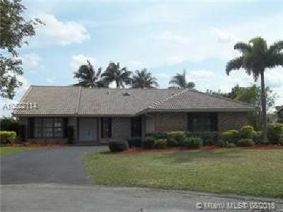 Coral Springs Single Family Home Active With Contract: 10546 NW 3rd Mnr