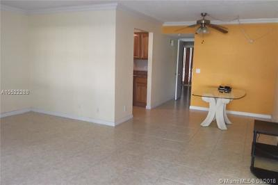 Pembroke Pines Condo For Sale: 251 SW 134th Way #113M