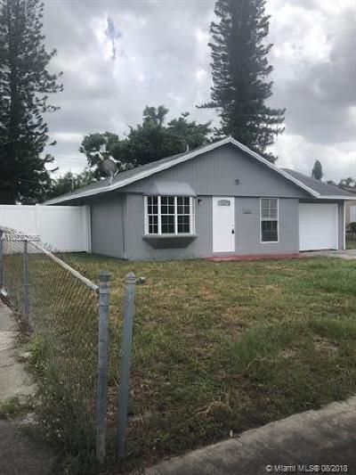 Lauderhill Single Family Home For Sale: 3560 NW 7th Pl