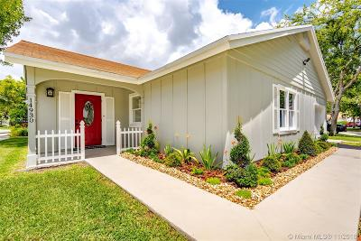 Miami Single Family Home For Sale: 14930 SW 141st Pl