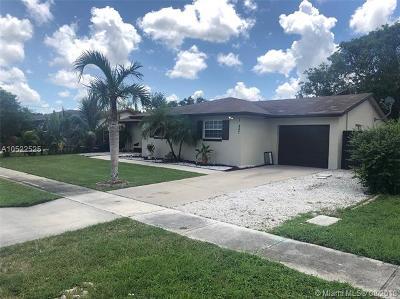 Palm Beach County Single Family Home For Sale: 10847 Winding Creek Way