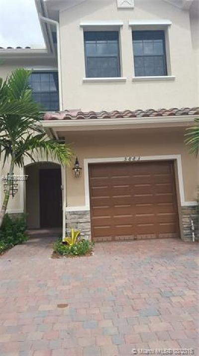 Tamarac Condo For Sale: 5883 NW 56 Place #5883