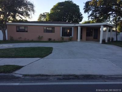 Pompano Beach Single Family Home For Sale: 1073 S Cypress