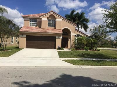 Pembroke Pines Single Family Home For Sale: 1809 NW 142nd Ter