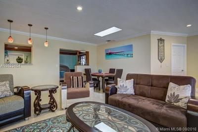 Hialeah Single Family Home For Sale: 4661 W 9th Ct