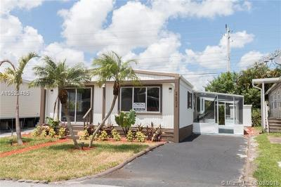 Dania Beach Single Family Home For Sale: 2603 SW 54th St