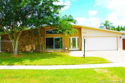 Pembroke Pines Single Family Home For Sale: 10163 SW 51st St