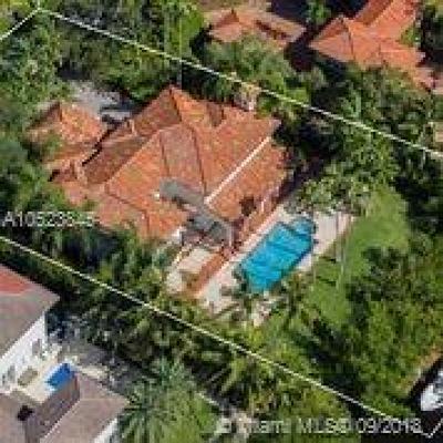 Cocoplum Single Family Home For Sale: 108 Paloma Dr