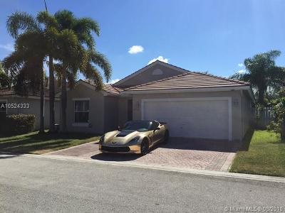 Broward County Single Family Home For Sale: 4965 SW 33rd Ave