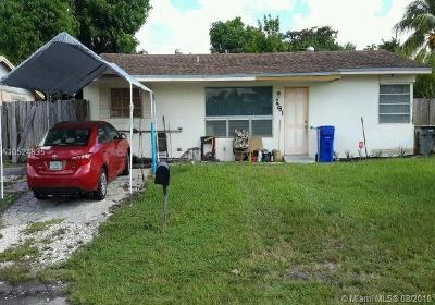 Broward County Single Family Home For Sale: 2781 SW 3rd St