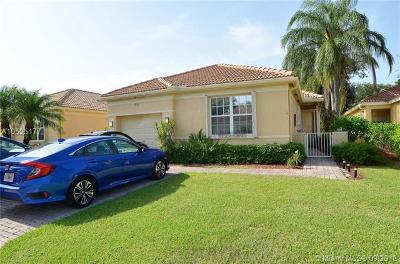 Delray Beach Single Family Home For Sale: 7036 Cataluna Cir