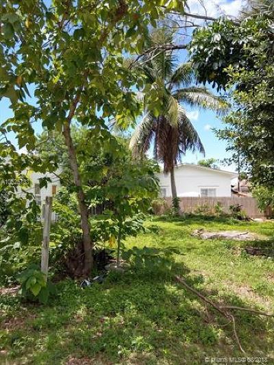 Miami Single Family Home For Sale: 3825 Thomas Ave