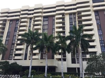 Coral Gables Condo For Sale: 600 Biltmore Way #220
