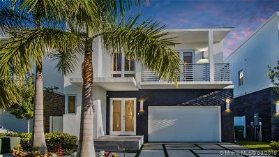 Doral Single Family Home For Sale: 8288 NW 34th St