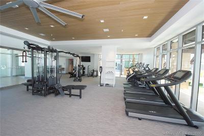 Miami-Dade County Condo For Sale: 330 Sunny Isles Blvd #501