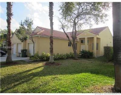 Weston Single Family Home For Sale: 1330 Camellia Circle