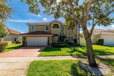 Pembroke Pines Single Family Home For Sale: 2365 NW 195th Ave