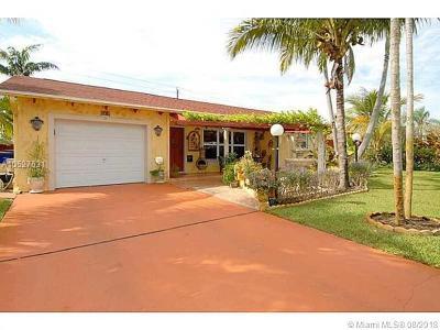 Deerfield Beach Single Family Home For Sale: 196 SE 10 Ct