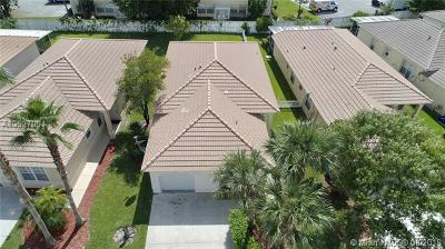 Royal Palm Beach Single Family Home For Sale: 143 Prestige Dr
