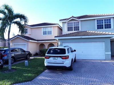 Lauderhill Single Family Home For Sale: 7195 Sienna Ridge Dr