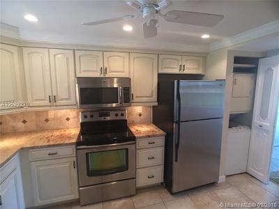 Margate Condo For Sale: 3231 Holiday Springs Blvd #408