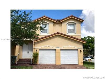 Doral Condo For Sale: 8740 NW 110th Ave #8740