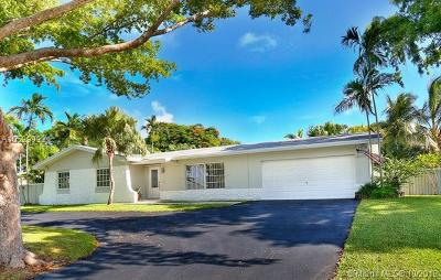 Cutler Bay Single Family Home For Sale: 8840 SW 185th St