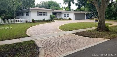 Plantation Single Family Home For Sale: 813 Garden Ct