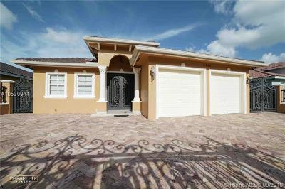 Miami Single Family Home For Sale: 2945 SW 145th Ct