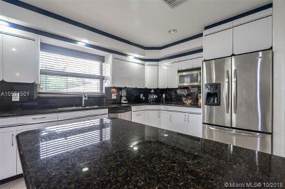 Miami Gardens Single Family Home For Sale: 745 NE 179 Te