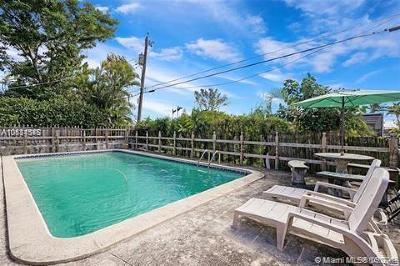 Miami Beach Single Family Home For Sale: 1820 Biarritz Dr
