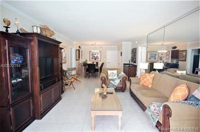 Seacoast 5151, Seacoast 5151 Condo Rental For Rent: 5151 Collins Ave #428