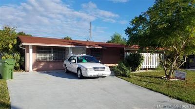 Lake Worth Single Family Home For Sale: 44 Davis Rd