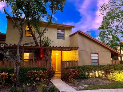 Plantation Condo For Sale: 7883 NW 11th Pl #7883
