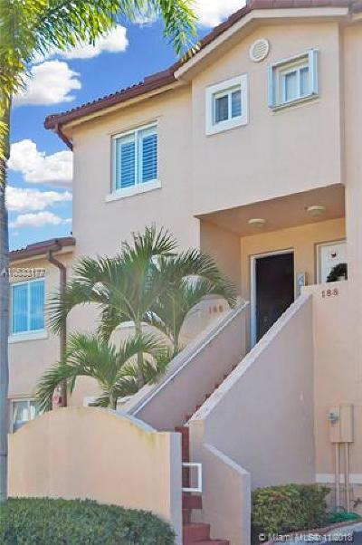 Weston Condo For Sale: 186 Riviera Cir #186