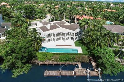 Coral Gables, South Miami Single Family Home For Sale: 7210 E Lago Dr