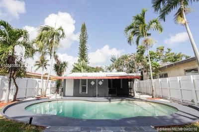 Oakland Park Single Family Home For Sale: 1022 NE 34th Ct