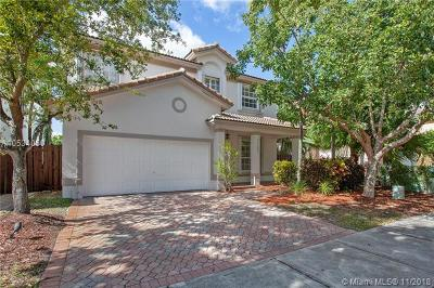 Doral Single Family Home For Sale: 7130 NW 109th Ct