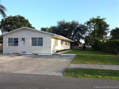 Hallandale Multi Family Home For Sale: 213-215 SW 10th St