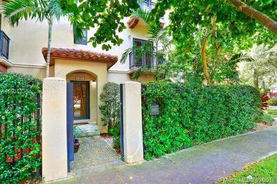 Coconut Grove FL Condo For Sale: $499,000