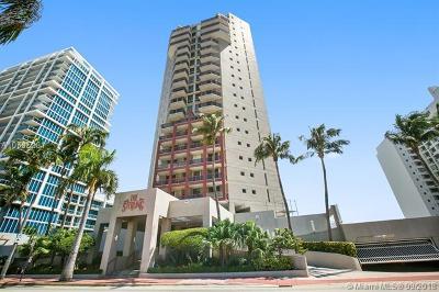Miami Beach Condo For Sale: 6767 Collins Ave #2108