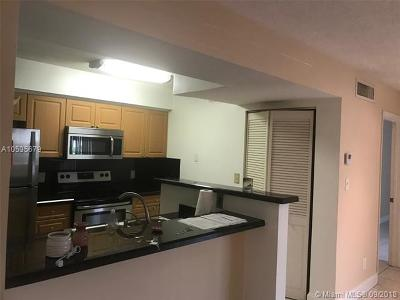 Hollywood Condo For Sale: 530 S Park Rd #16-11