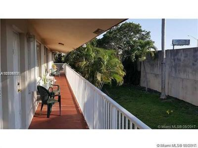 Hollywood Condo For Sale: 2916 Funston St #54A