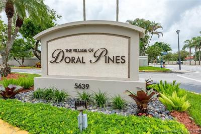 Doral Single Family Home For Sale: 10080 NW 54th Ter