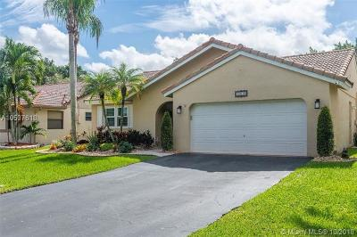 Davie Single Family Home Active With Contract: 15610 Gauntlet Hall Mnr