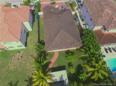 Miami Single Family Home For Sale: 14600 SW 30th St