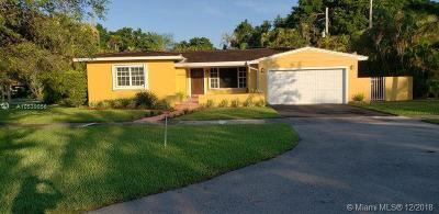 Coral Gables Single Family Home For Sale: 4930 Riviera Dr