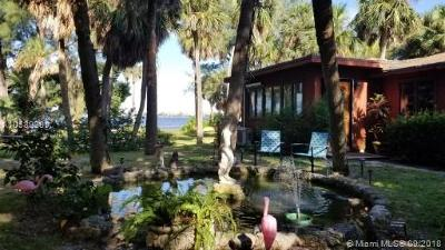Lake Worth Single Family Home For Sale: 806 S Lakeside Dr