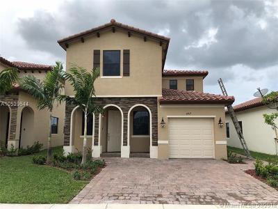 Homestead Single Family Home For Sale: 2417 NE 2nd Drive